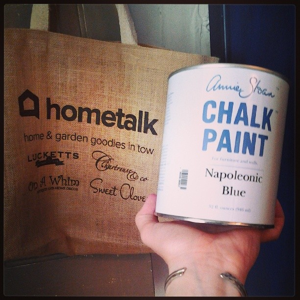 annie sloan chalk painted fire place, chalk paint, living room ideas, painting