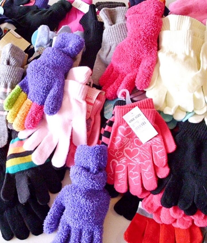 A colorful table full of gloves from what we received in all the boxes and packages yesterday! Thank you so much for helping to warm up plenty of hands!