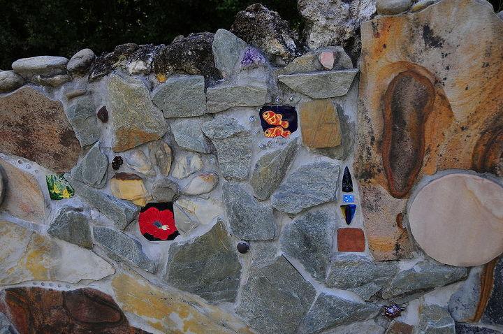 Aother photo of the Florida Garden Wall.