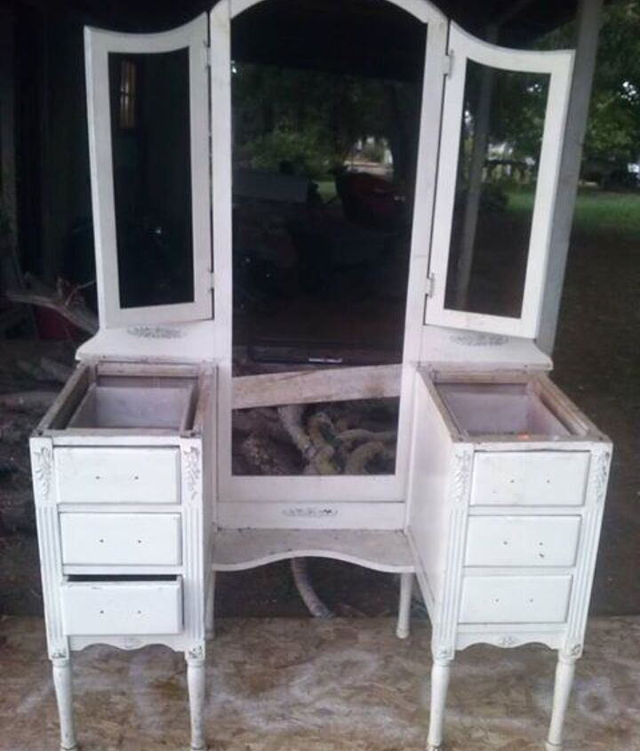 Im working on this. I need 12 glass drawer pulls at a reasonable price. Im not selling it.
