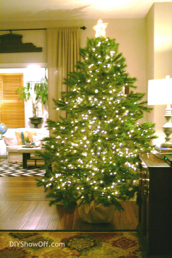 Tips For Decorating A Christmas Tree Decorations Seasonal Holiday Decor String Lights