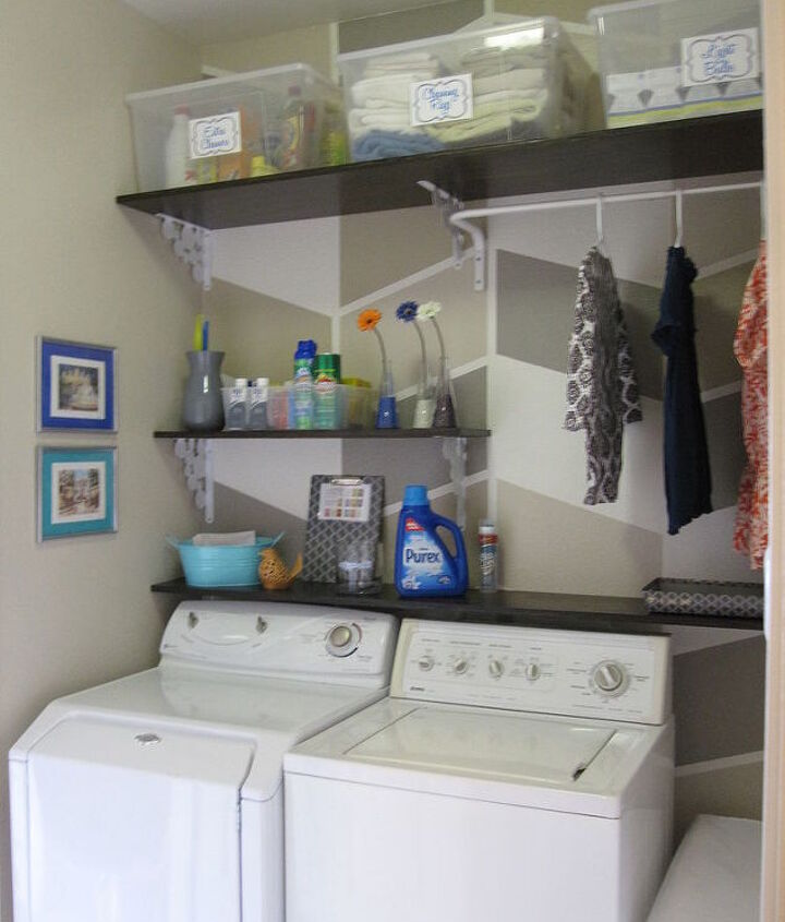 Wall Art and Decor in Laundry Room