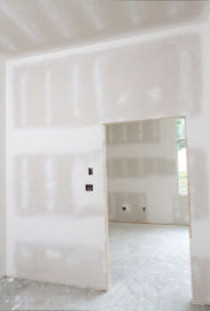priming sheetrock, paint colors, painting, wall decor, That drywall is thirsty Photo iStockphoto com