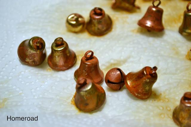 diy rusty bells, crafts, seasonal holiday decor