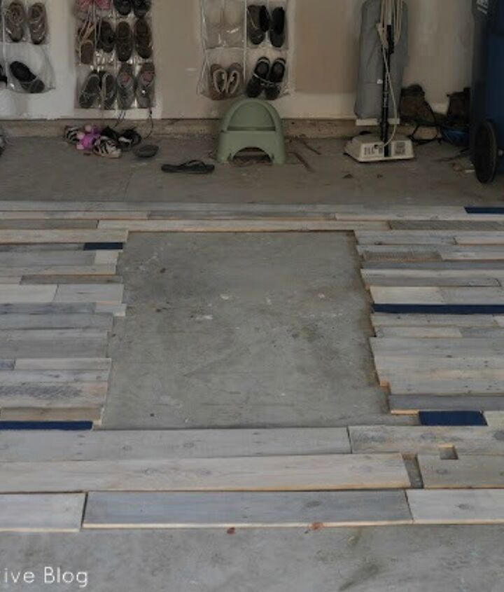 White washed wooden pallets http://www.eastcoastcreativeblog.com/2011/10/pallet-possibilities-pallet-wall.html