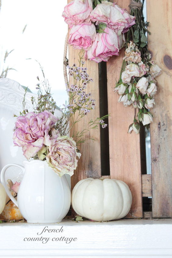 natural autumn mantel decoration, seasonal holiday decor