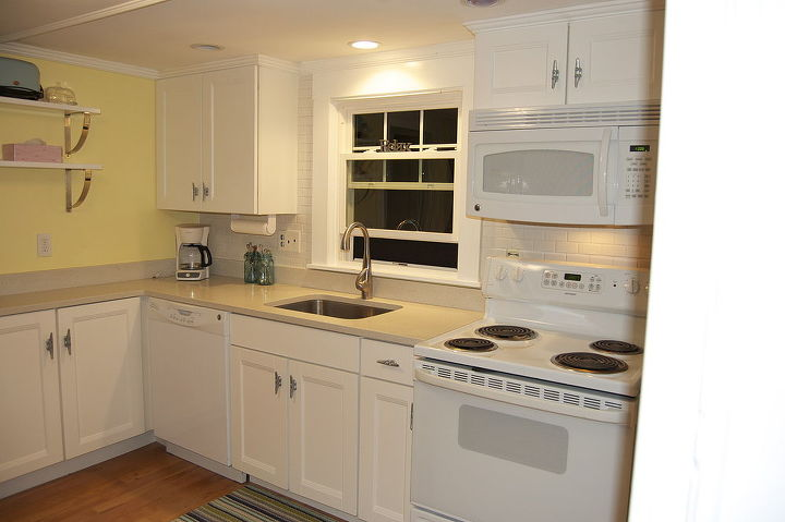 how to tile a wall the easy way, home decor, kitchen backsplash, tiling