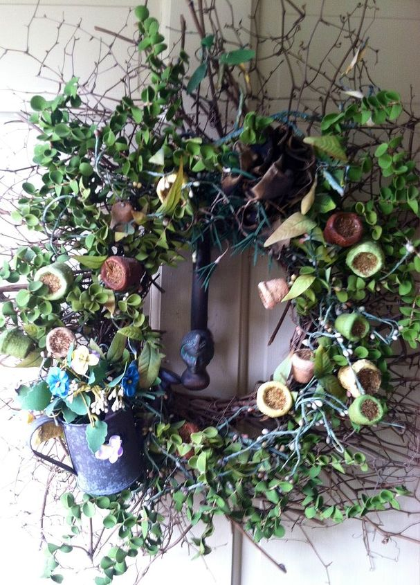 Here is her 'Summer Wreath' -- Gorgeous!