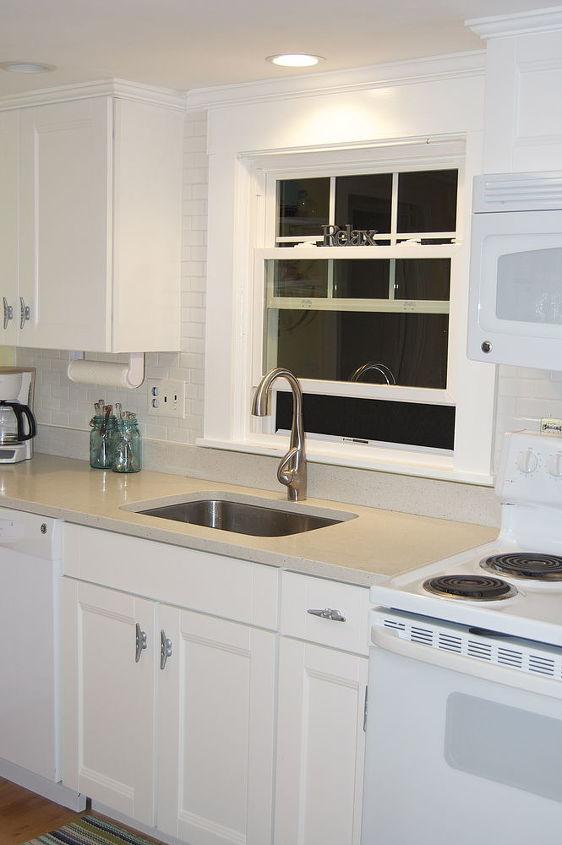 Kitchen backsplash complete! I brought the tile all the way up for some added interest.