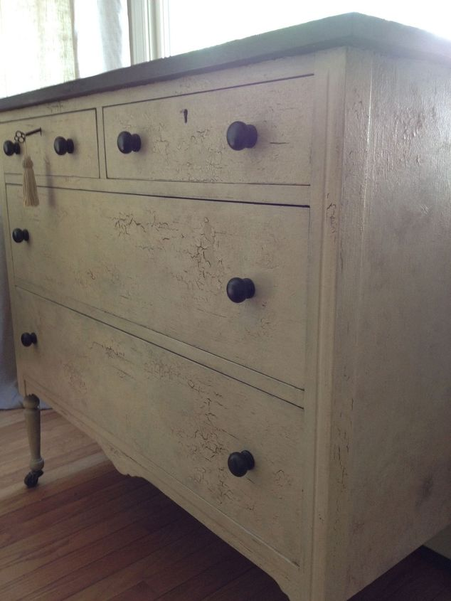 q help i need to make paint crackle, painted furniture, This is the look I want to achieve