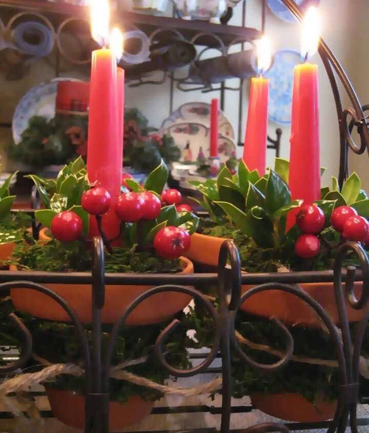 simple and natural christmas centerpiece, christmas decorations, crafts, seasonal holiday decor