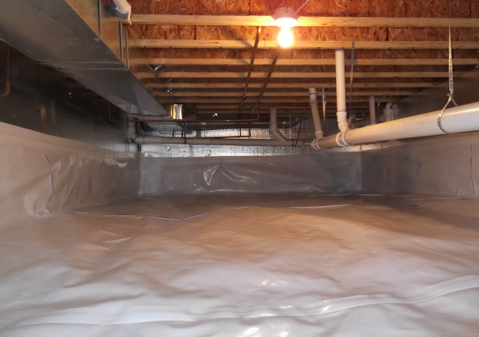We insulate this Aurora, CO crawl space walls with SilverGlo and sealed the entire space with the CleanSpace system. The crawl space is now protected against moisture and mold, and the home is more comfortable and energy efficient.