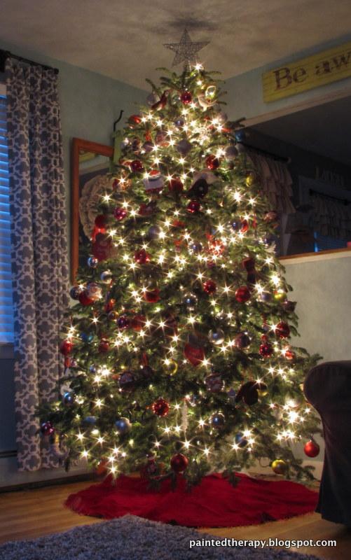 string your lights like rockefeller, lighting, seasonal holiday decor