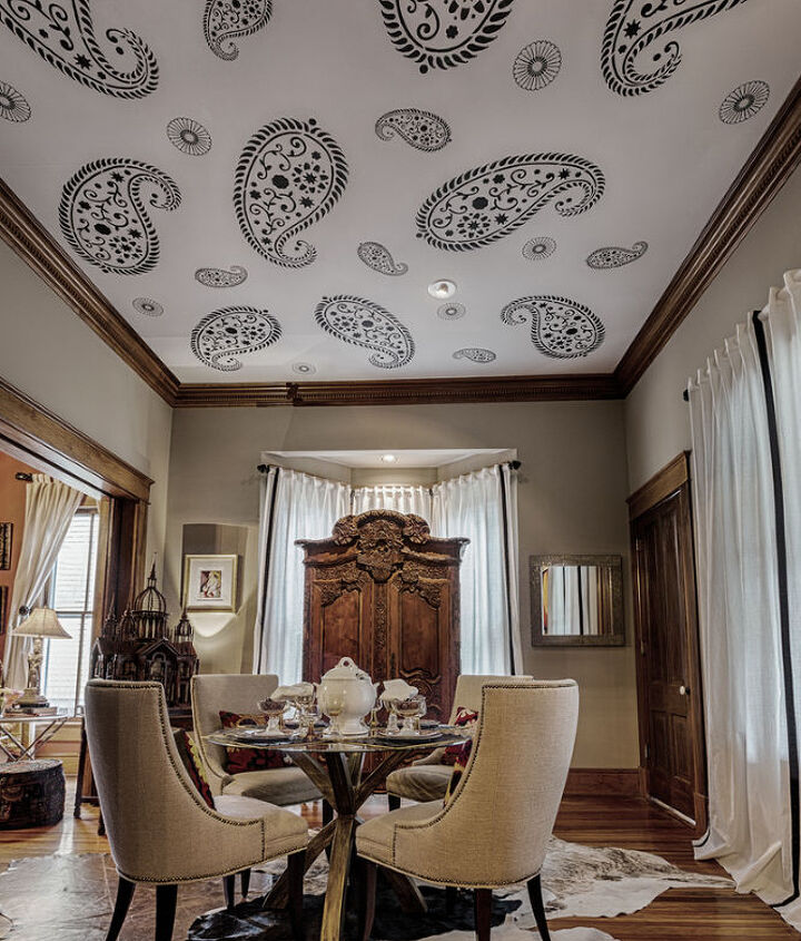 Bold pattern stenciled on ceiling.www.KassWilson.com