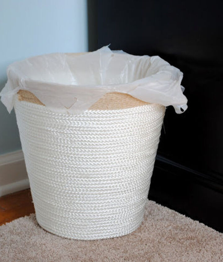 Yes, even the trash can is rope!  I trimmed a cheap IKEA trash can with rope and sisal, and the look was classy yet beach-inspired.