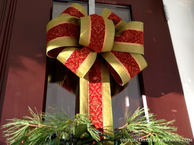 how to make a bow step by step for christmas decorating wreaths, christmas decorations, crafts, seasonal holiday decor, wreaths, Step four once you have all the loops you want put the last one in the center This covers up any mess you made