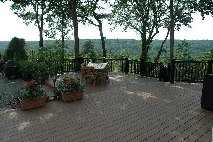This is a view of the Mountains of Long Island...there are no mountain on Long Island, but this one had a great view. http://www.deckandpatio.com/decks/portfolio.html
