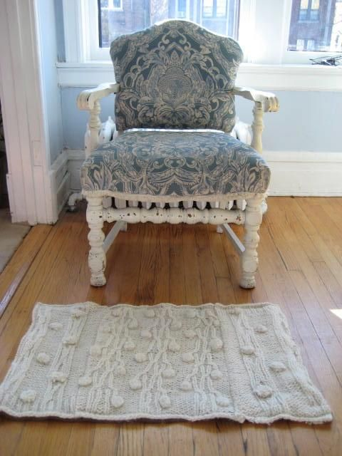 10. Last but not least there is this gem from Homeworkshop that I loved... which is the up cycled sweater rug! Love the concept and the up cycling of course. Super thrifty!