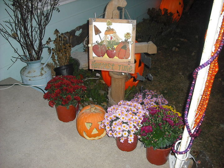 Before I had stalks and wood boxes w flowers in