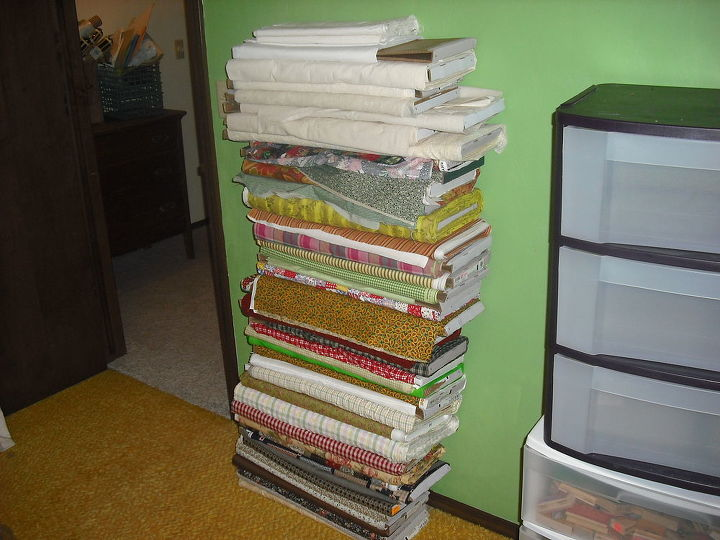 Bringing material from book shelves into new room in order to move the shelves