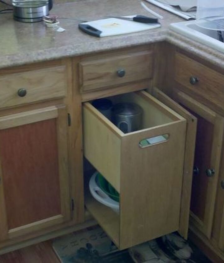 all lower cabinets have pullout inserts for ease of storage.