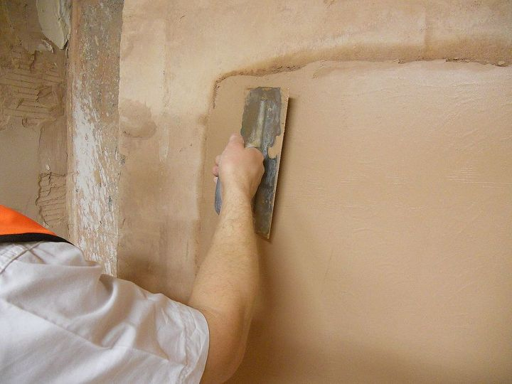 Cover the entire surface , with tow coat of finishing plaster