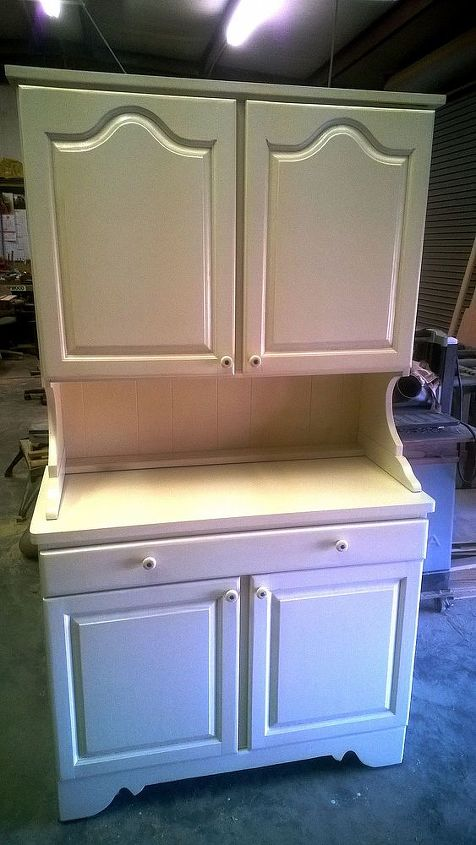 Finished project front view. The Drawer was modified to use the Blum under mount self closing slides to make it run smoother and stay closed.