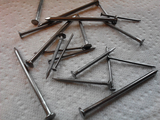 how to make metal rust with potatoes, crafts, I used standard nails not zinc or galvanized