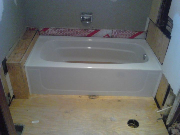 Ok lets get back to what I was there for.... replacing the tub