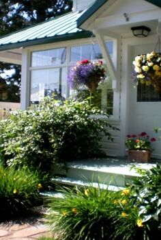 6 ways to landscape without breaking the budget, flowers, gardening, landscape, perennial, Good landscaping turns your home into a show stopper
