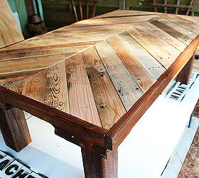 Pallet Wood Coffee Table, Diy, Pallet, Woodworking Projects, Stained Lower  Portion