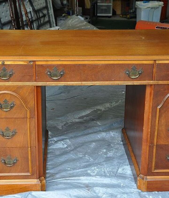 This desk has so much charm and detail all on it's own, so it made it easy to make it look classy.