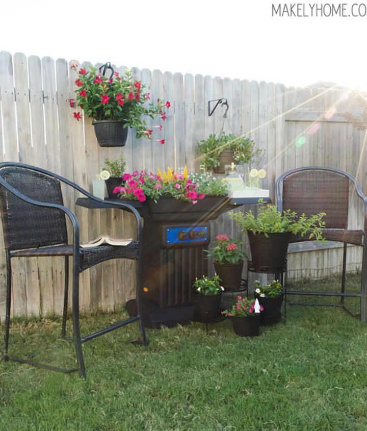My new outdoor space featuring the new DIY BBQ grill planter