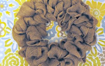 burlap wreath tutorial, crafts, seasonal holiday decor, wreaths, Create a quick and easy burlap wreath you can decorate for any season