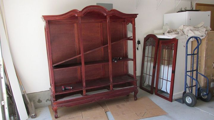 IN PROGRESS: Was so hard to take this hutch apart.
