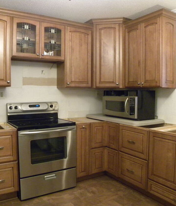 Left side of the kitchen - microwave & countertop not installed yet