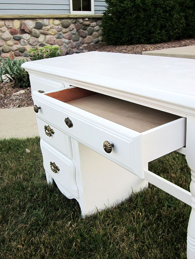 white desk needs a top coat, painted furniture