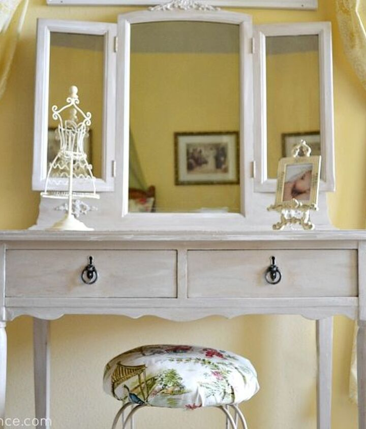 I found this beautiful vintage vanity which was the perfect addition to her room!