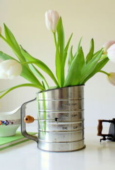 vintage flour sifter to flower vase, repurposing upcycling, seasonal holiday d cor