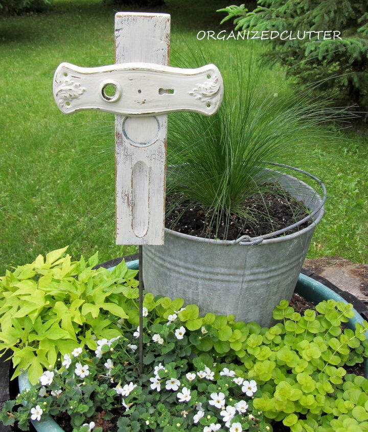 I added a metal dowel to the crosses to use as a stake.