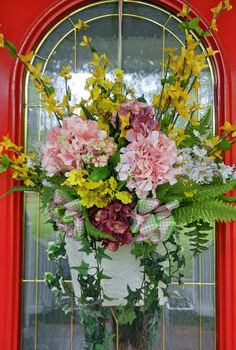 spring front door basket to summer inspired before and after, seasonal holiday d cor, wreaths, Spring Inspired Floral Basket on a red painted door Before