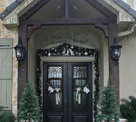 christmas porch and front door garland diy christmas decorations curb appeal doors & Christmas Porch and Front Door Garland DIY   Hometalk