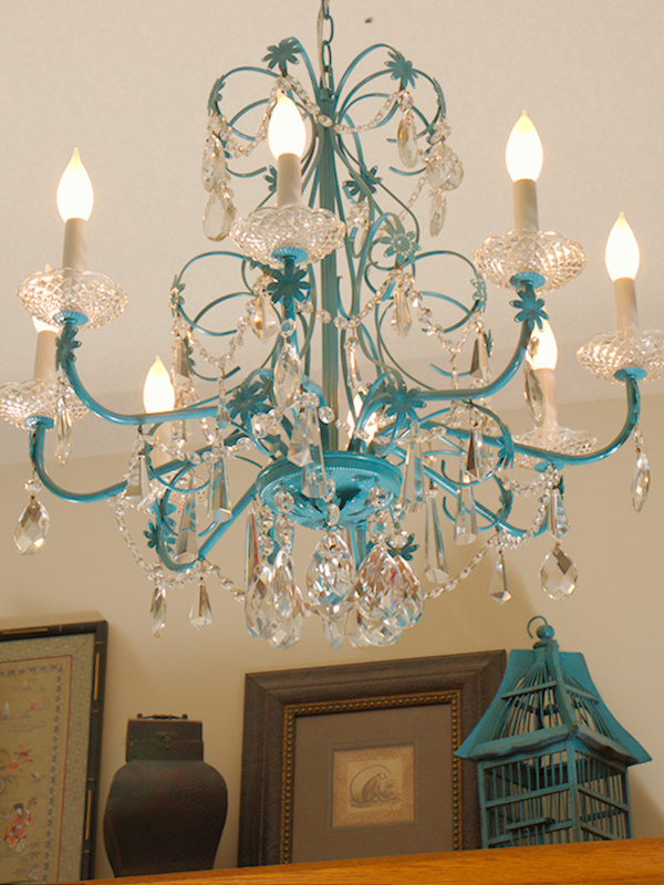 blue chandelier redo, home decor, lighting