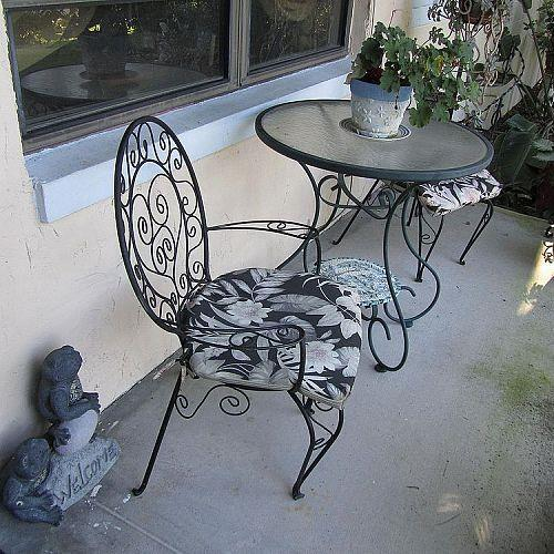 FOUND THESE CHAIR AND TABLE. I PAINTED THE CHAIRS.