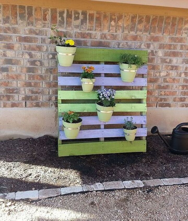 Cute, cheap pallet project - photo 1.
