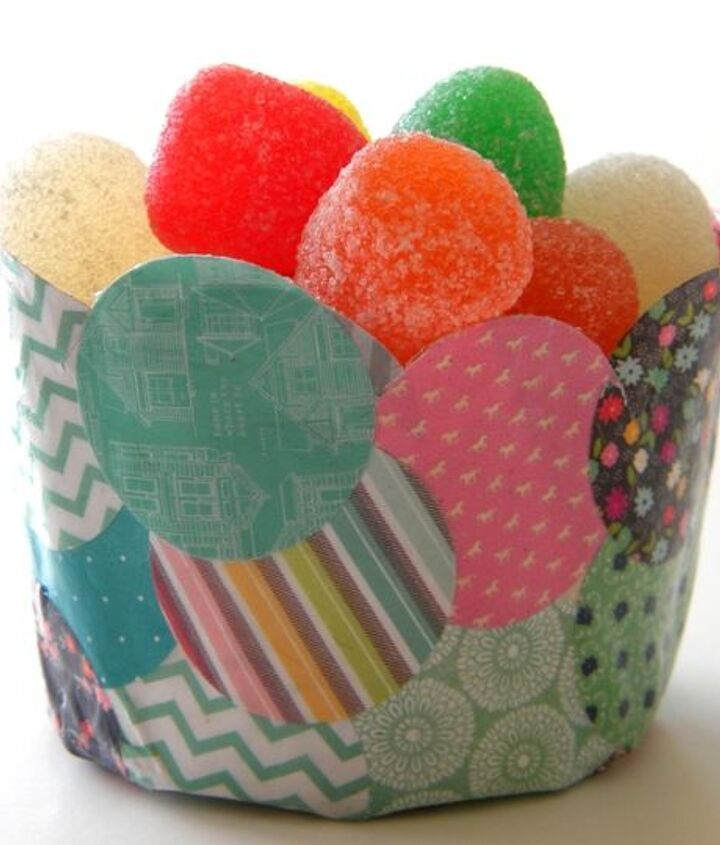 Make smaller confetti cups to hold treats or cupcakes.