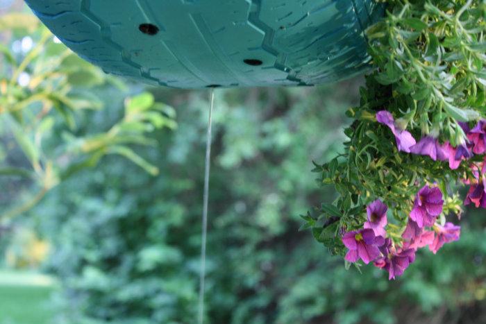 repurposed tires as flower planters, flowers, gardening, outdoor living, repurposing upcycling