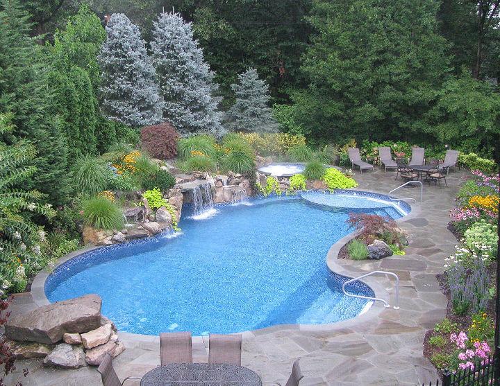 True Blue Swimming Pools Dix Hills, NY http://bit.ly/1fXvLnC