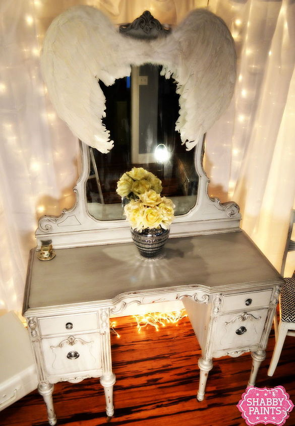 Miss Hollywood - Chalk Painted Vanity. Using Shabby Paints Ice Chalked Paint, Pearl reVAX & black reVAX.