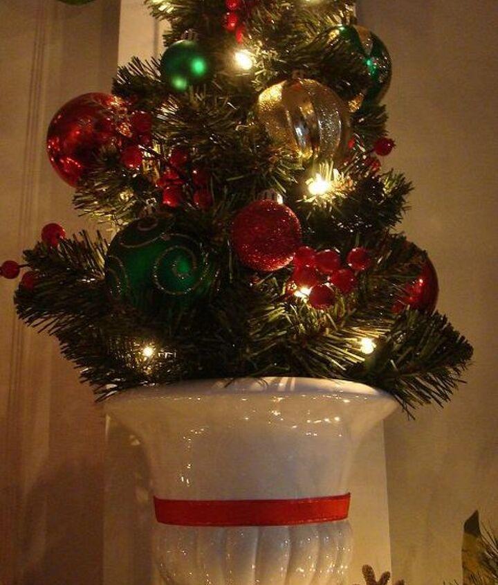 our 2012 christmas mantel, christmas decorations, seasonal holiday decor
